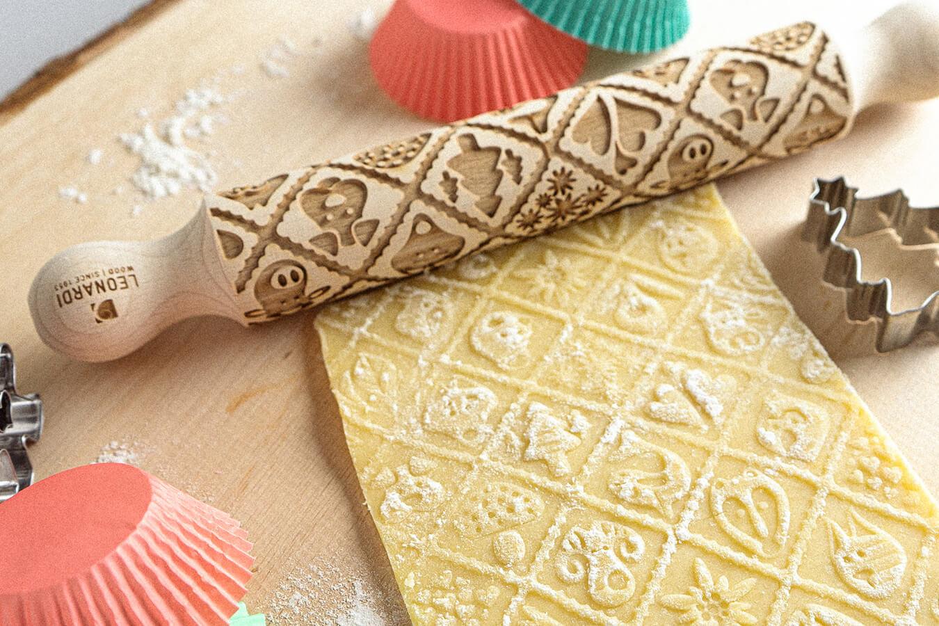 Mattarello decorativo per dolci e pasta frolla in legno di faggio