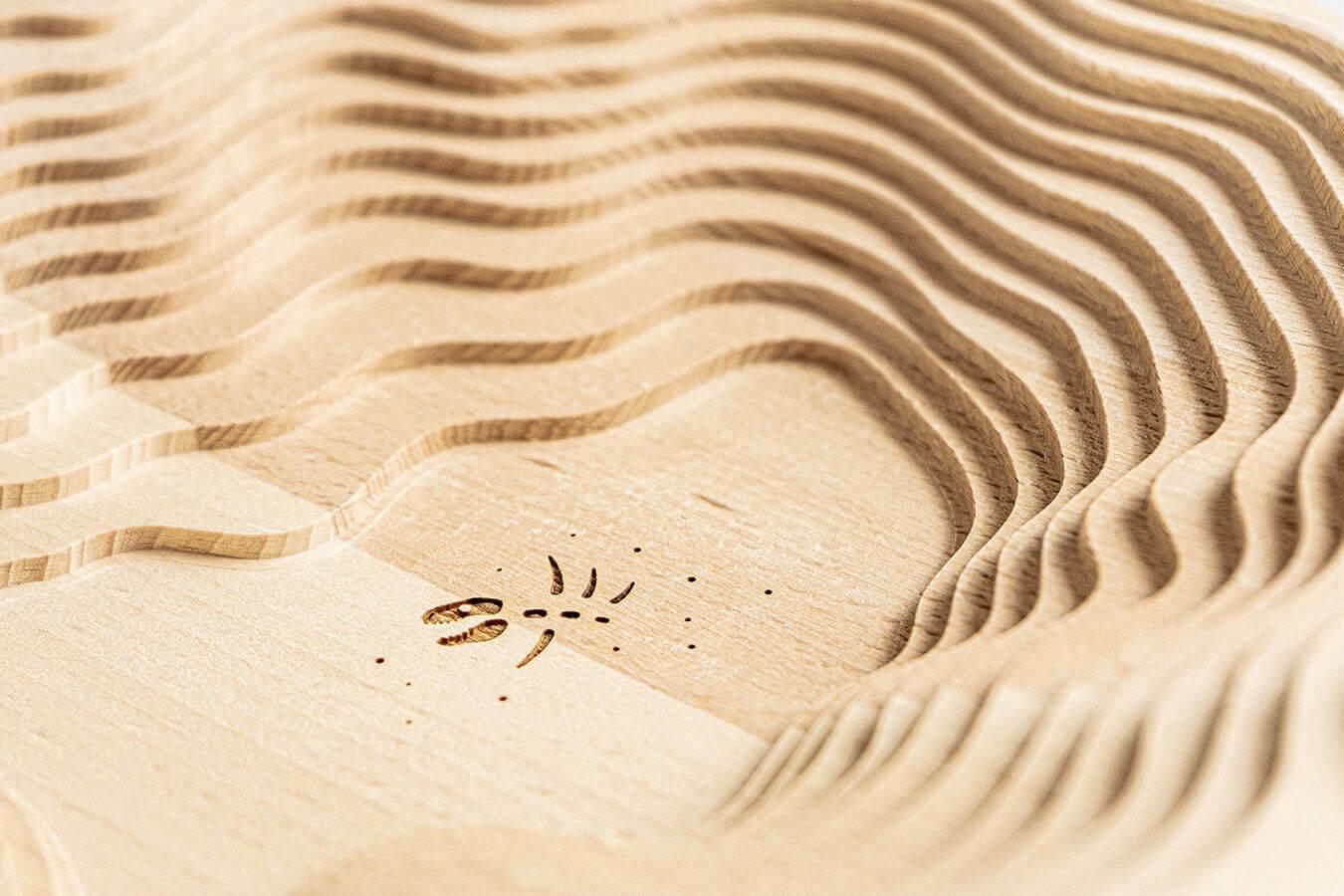 Dettaglio del centrotavola in legno di faggio