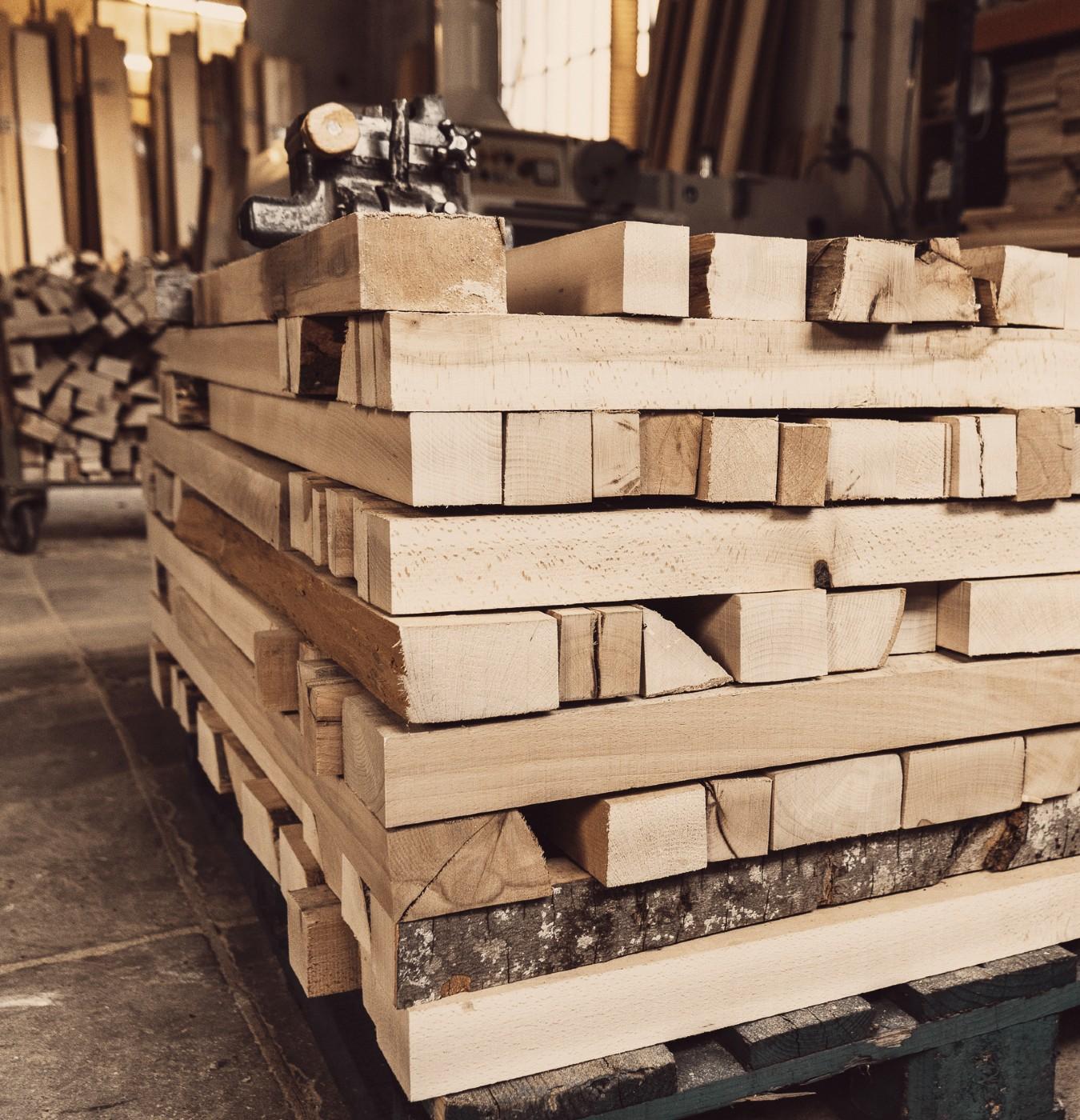legno in magazzino